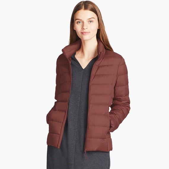 Áo lông vũ siêu nhẹ uniqlo không có mũvới lớp lót bên ngoài siêu bền, siêu nhẹ, làm từ 100% nilon, giúp chống thấm nước, tuyết, gió, bảo vệ cơ thể bạn tốt nhất