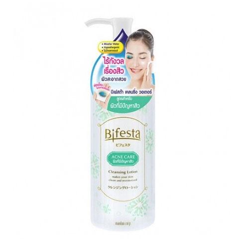 Sử dụng sản phẩm lâu dài giúp cải thiện tình trạng mụn ẩn trong da.